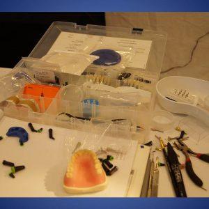 Estratificando con composites en el sector anterior Dra. Del Cid